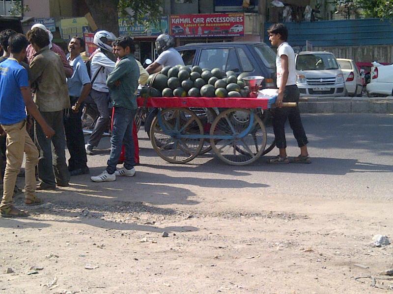 Bizarre Bazaar Moment